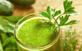Сок сельдерея наиболее полезен для кишечника, утверждает британский диетолог