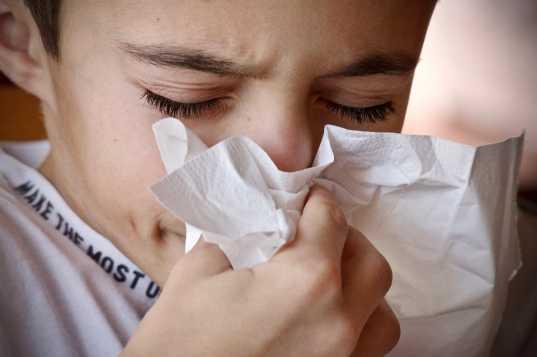 Как определить ротавирус у ребёнка и не перепутать его с отравлением