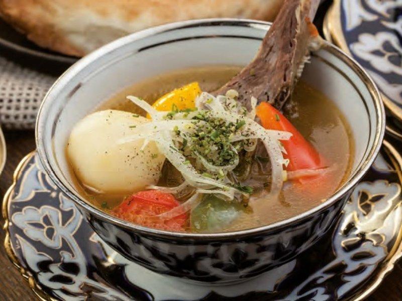 Российские врачи рассказали о полезных и вредных свойствах супов