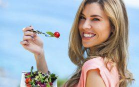 Питательно и вкусно: почему нужно каждый день есть салаты?