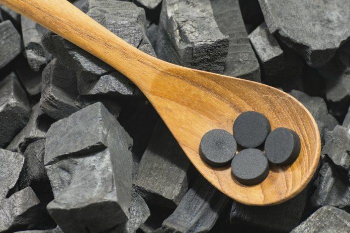 Медики предупредили о последствиях приема активированного угля