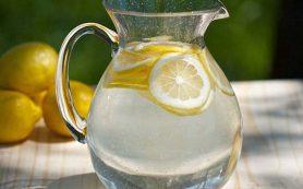 Лимонад, вода или квас? В Роскачестве озвучили рекомендации по выбору напитков летом