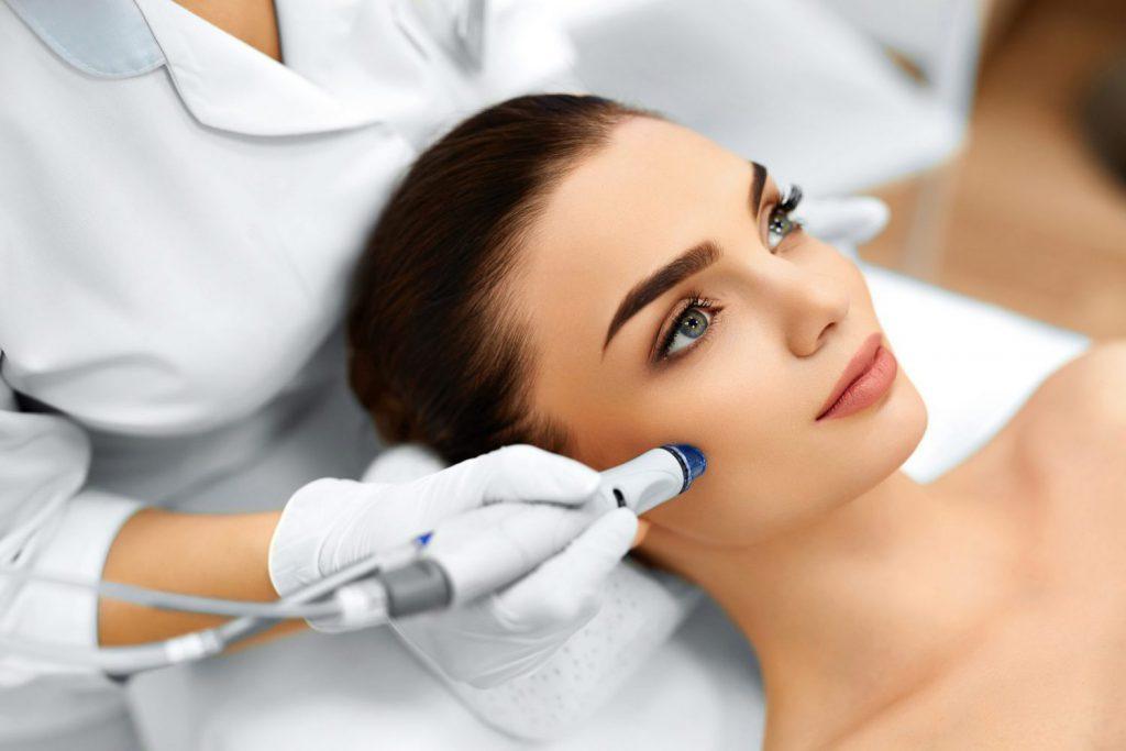 Что такое аппаратная косметология: особенности, показания, преимущества