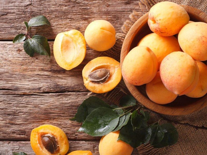 Самым полезным фруктом медики назвали абрикос
