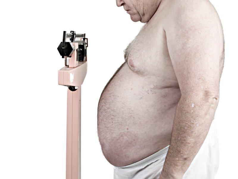 Риск смерти из-за ожирения у мужчин и женщин различается