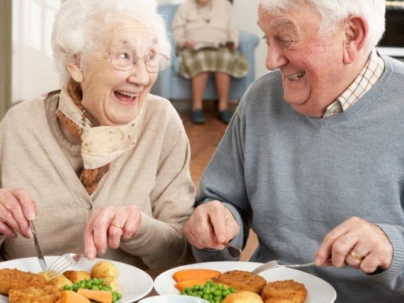 Специалист по anti-age медицине: в старости нужно мало калорий и много витаминов