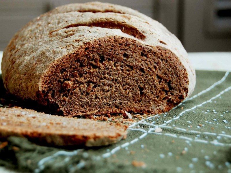 Исследование: ржаной хлеб оздоравливает кишечник и повышает серотонин