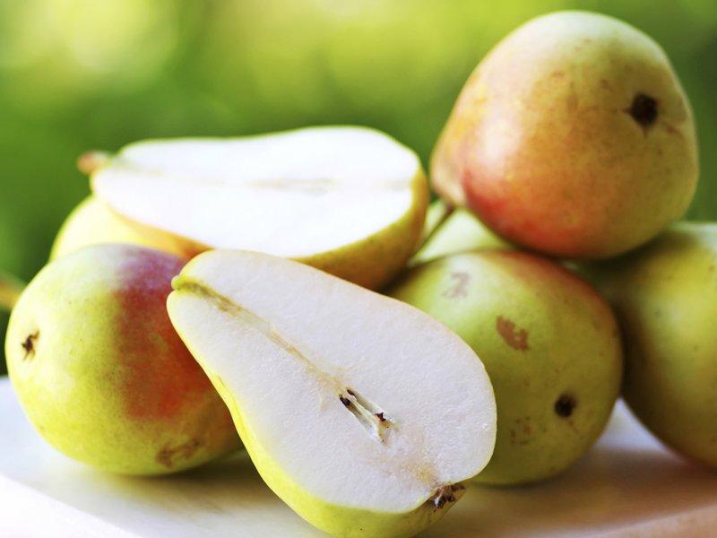 Диетолог: груши — самый полезный фрукт для здоровья кишечника