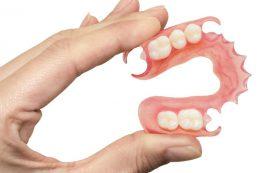 «Мягкие» зубные протезы. Протезы из пластика