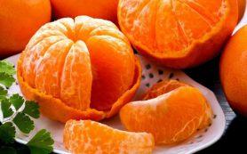Врач-гастроэнтеролог: не нужно закусывать водку мандаринами и другими фруктами