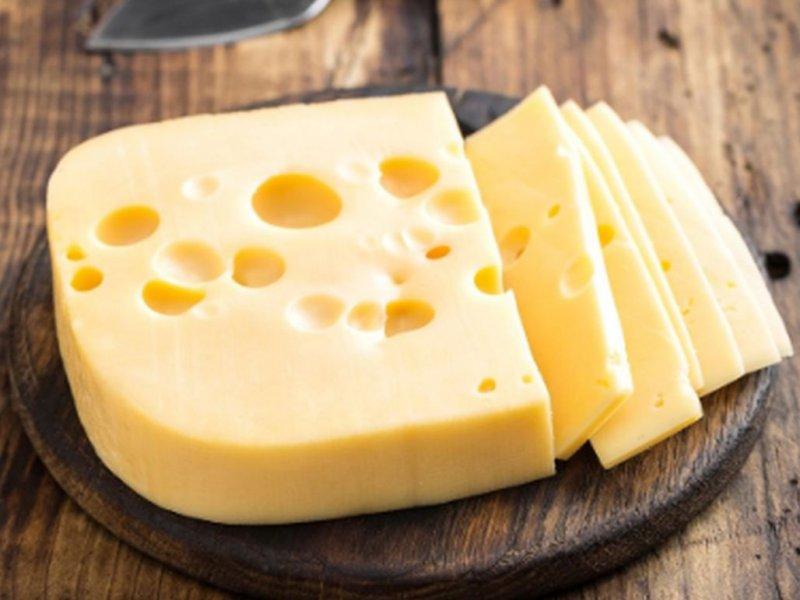 Диетолог Жаклин Лондон назвала самые полезные виды сыра в питании человека