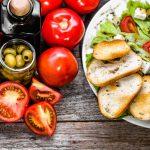Средиземноморская диета оказалась эффективней палеолитической