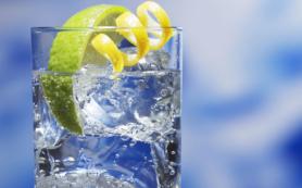 «Только не вода с лимоном». Врач-проктолог рассказала, как наладить работу кишечника
