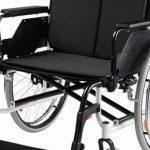 Как выбрать кресло-коляску для пожилого человека: советы и рекомендации