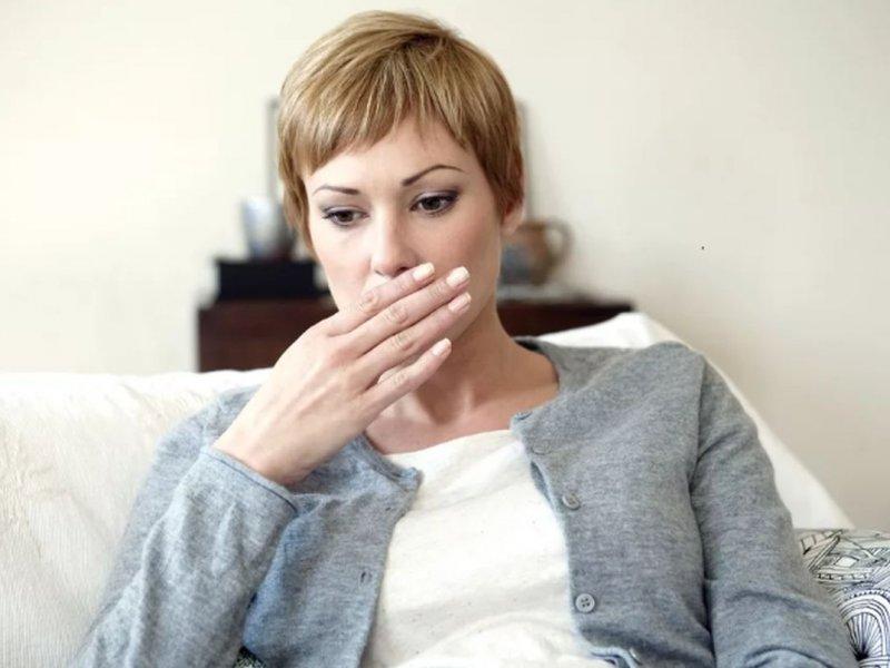 Регулярная икота может быть признаком рака желудка