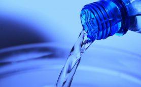 Врач-онколог объяснила, как вода помогает кишечнику
