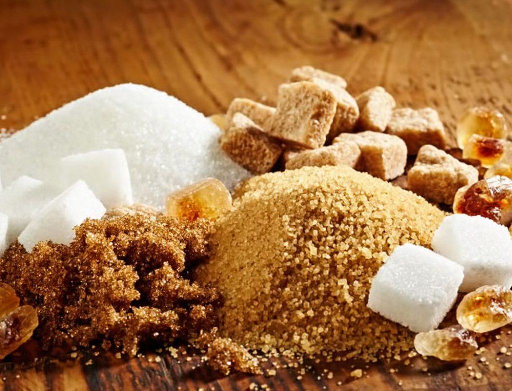 Врач-гастроэнтеролог объяснила, что лучше есть: сахар или фруктозу
