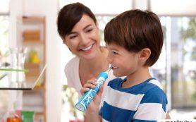 Выбираем зубную щетку и пасту для детей