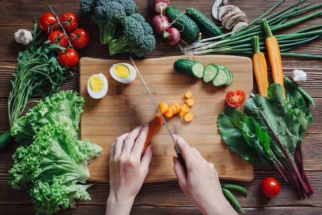Питание при изжоге: какие продукты можно есть, а какие нет?..