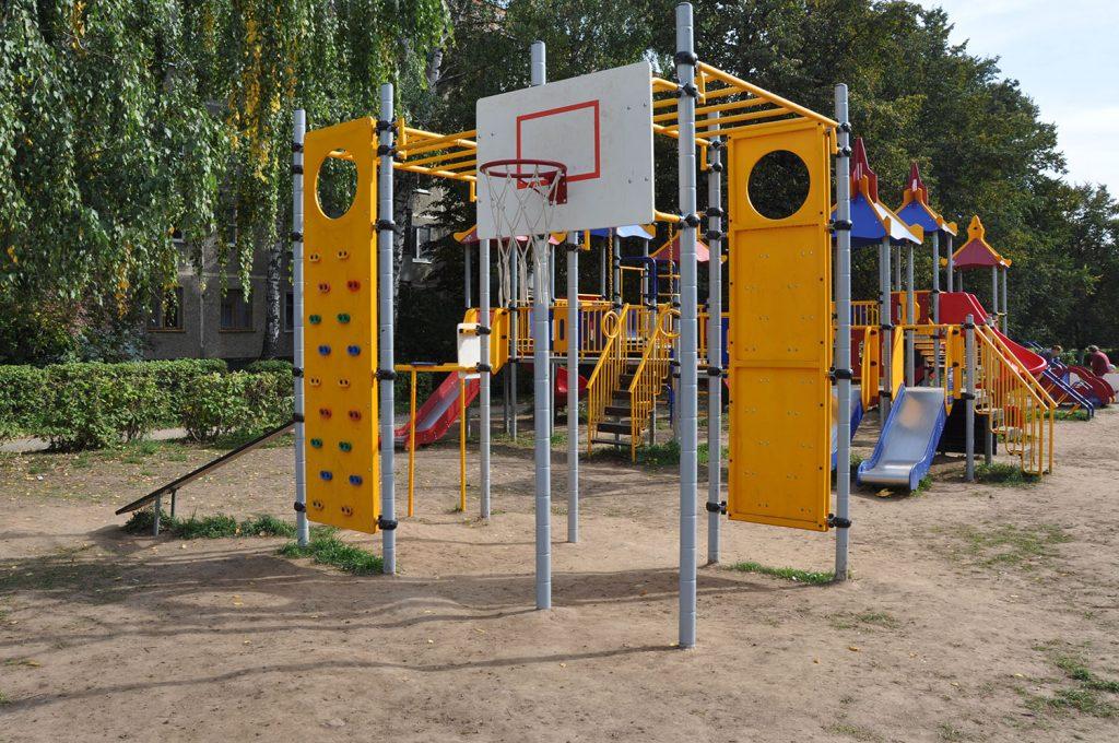 Оборудование для спортивных и детских площадок