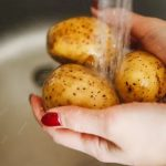Продукты могут «отравлять» и поддерживать кишечник. Мнение врача