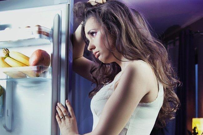 Полезно или вредно есть перед сном?