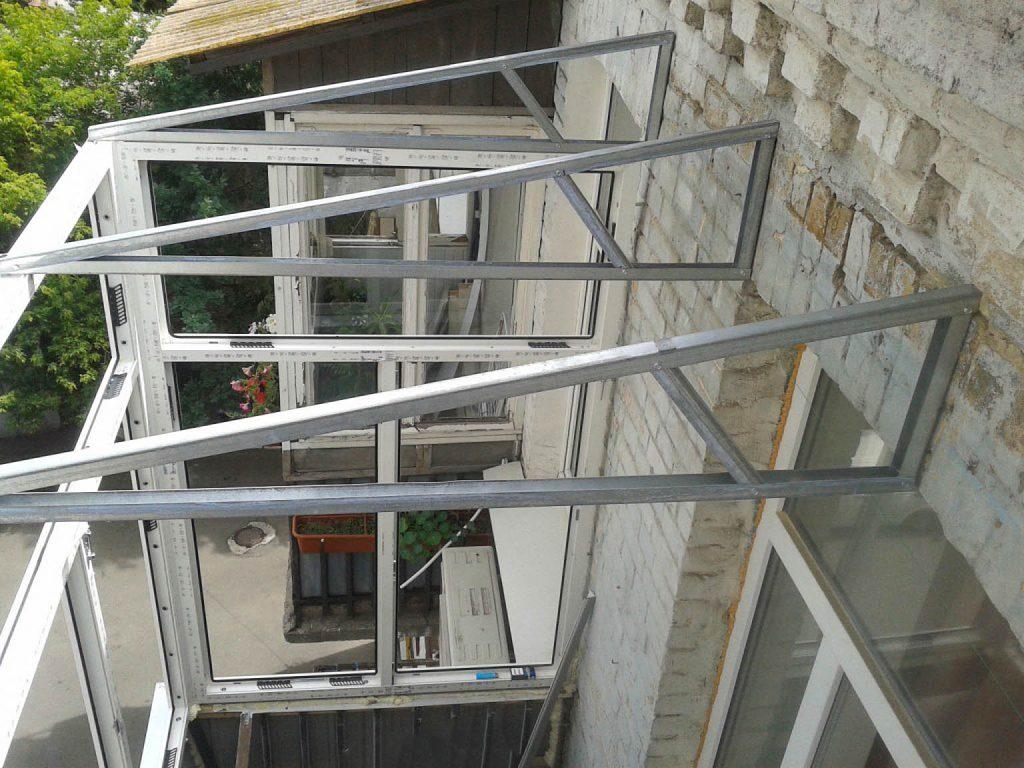 «С балконом» — крыша на балкон, практичность, уют и стильный дизайн