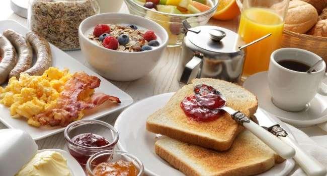 Назван самый вредный завтрак на голодный желудок