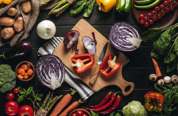 Валеолог объяснила, как раздельное питание влияет на ЖКТ