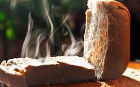 Эксперт: свежая выпечка плохо влияет на желудочно-кишечный тракт