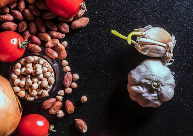 Чеснок, ананас и другие продукты, которые могут быть полезны для здоровья печени