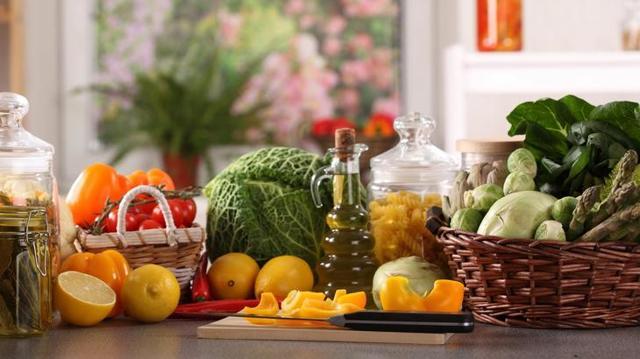 5 эффективных рецептов отваров для лечения изжоги