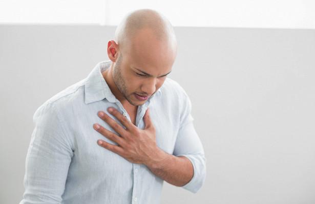 Медленно есть: диетолог дала рекомендации в борьбе с изжогой