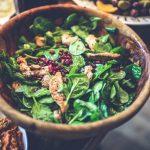 Специалисты рассказали, как шпинат поможет защитить кишечник от рака
