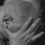 Врач назвала 7 необычных причин головной боли, включая проблемы с кишечником